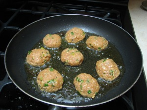 Shallow-fry kebabs in a non-sick pan